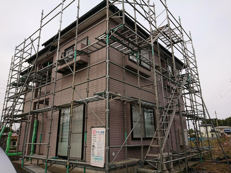 階上ショールーム屋根外壁塗装65万円プランで塗装中!【足場設置】